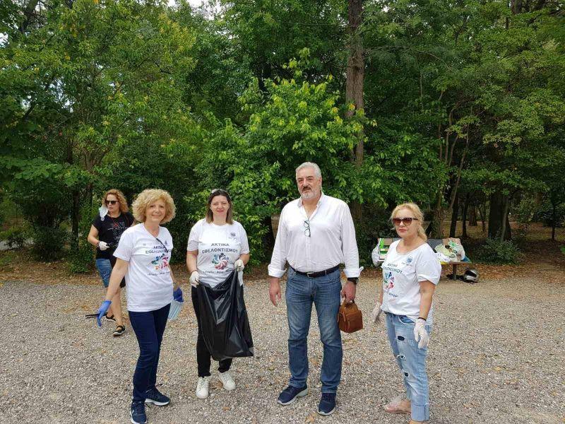 Εθελοντική πρωτοβουλία: «Αγρίνιο χωρίς πλαστικά απορρίμματα» (Φωτό)