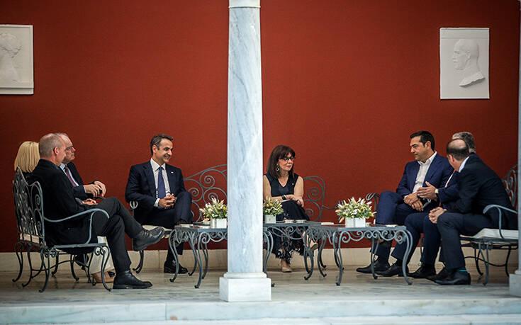 Προεδρικό Μέγαρο: Τα πηγαδάκια, τα αστεία, οι εντυπωσιακές παρουσίες και οι «γερές πλάτες»