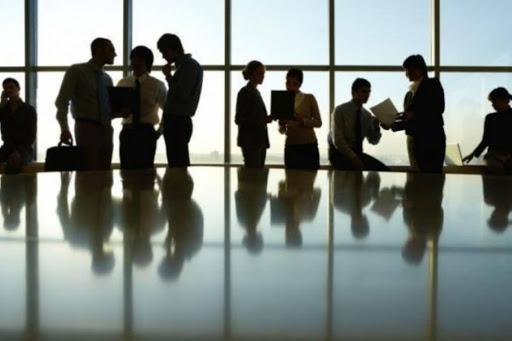 «Συν-Εργασία»: «Χαμηλές πτήσεις» για το πρόγραμμα – Ανησυχία για απολύσεις