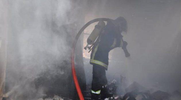 Βρέθηκε απανθρακωμένος 80χρονος στο Πέραμα: Εξετάζεται η εκδοχή εγκληματικής ενέργειας