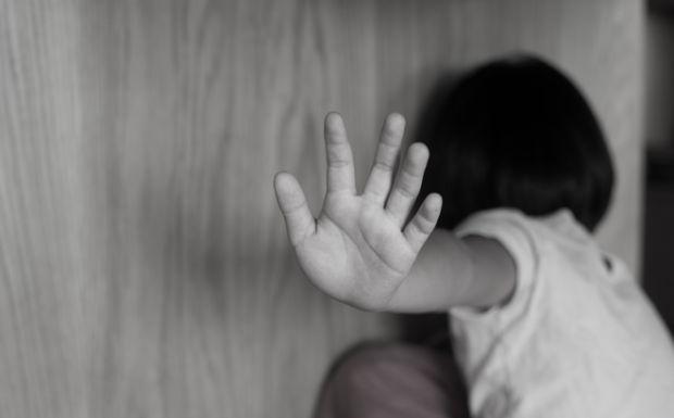 Έρευνα σοκ: Τα παιδιά θύματα βίας γερνάνε πιο γρήγορα