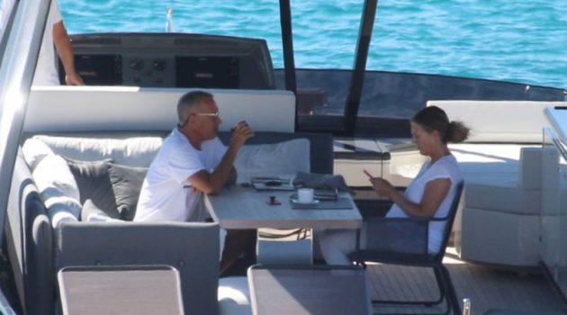 Tom Hanks και η Rita Wilson: Βόλτες με το σκάφος στα Κουφονήσια