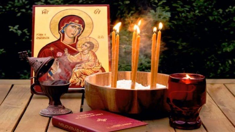Ι.Ν. Αγίας Τριάδος Αγρινίου: Τέλεση του Ιερού Ευχελαίου