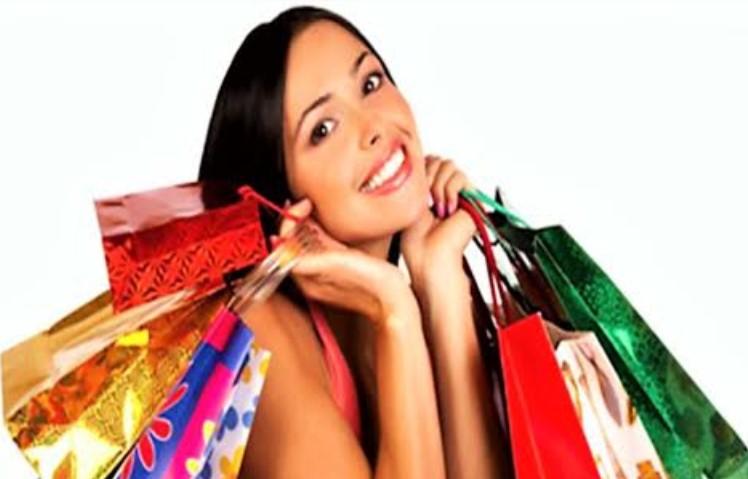 Σάββατο βράδυ τα καταστήματα της Ναυπάκτου… Ανοιχτά!