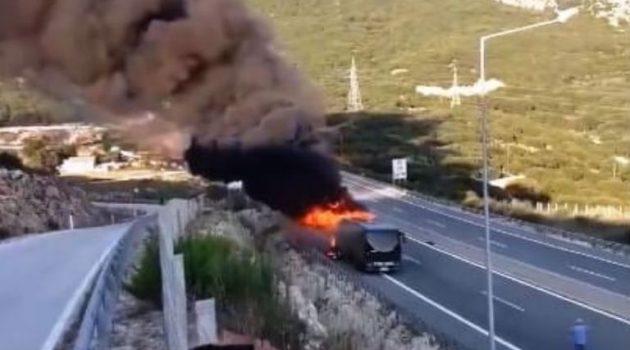 Βίντεο με το λεωφορείο του Κ.Τ.Ε.Λ. που κάηκε ολοσχερώς στην Ιόνια Οδό