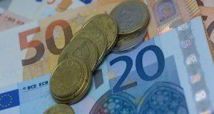 ΕΛ.ΣΤΑΤ.: Αυξήθηκε το εισόδημα των νοικοκυριών – Υποχώρησε η κατανάλωση