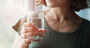 Πέντε λόγοι να ξεκινάτε την ημέρα σας με ένα ποτήρι…