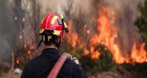 Πυρκαγιά εκδηλώθηκε στο Μεσολόγγι κοντά στο Τ.Ε.Ι.