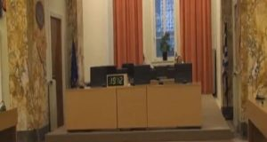 Κεκλεισμένων των θυρών η συνεδρίαση του Δημοτικού Συμβουλίου Αγρινίου