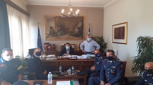 Συνάντηση Παπαναστασίου με την ηγεσία του Πυροσβεστικού Σώματος