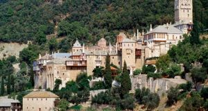 Κορωνοϊός: Τουλάχιστον οκτώ κρούσματα στο Άγιο Όρος