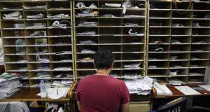 ΕΛ.ΤΑ.: «Εθελούσια» έξοδος 2.000 και μεγάλη μείωση μισθών