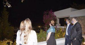 Επίσκεψη Πομπέο: Γραβιέρα, καλτσούνια και ρακή το πρώτο βράδυ στα…