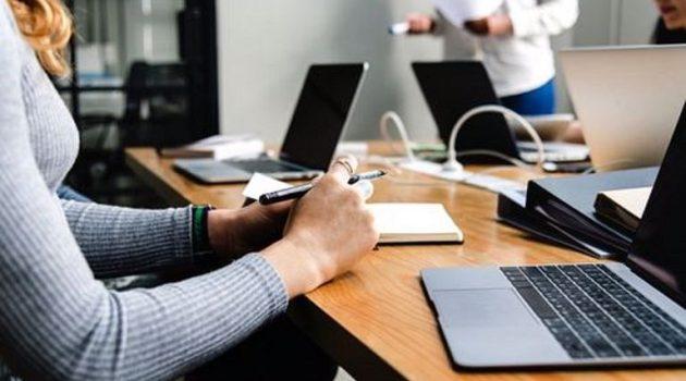 Δικαίωμα των εργαζομένων να μην απαντούν ούτε σε τηλέφωνα, ούτε σε e-mail όταν σχολάνε