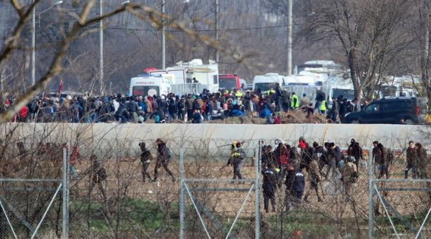 Έβρος: Οι Τούρκοι μιλούν για νεκρό από ελληνικά πυρά – Διαψεύδει η Αθήνα