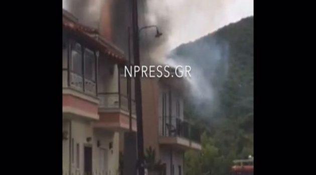 Ναύπακτος – Φωτιά σε σπίτι: Χτύπησε σε ηλιακό ο κεραυνός (Video)
