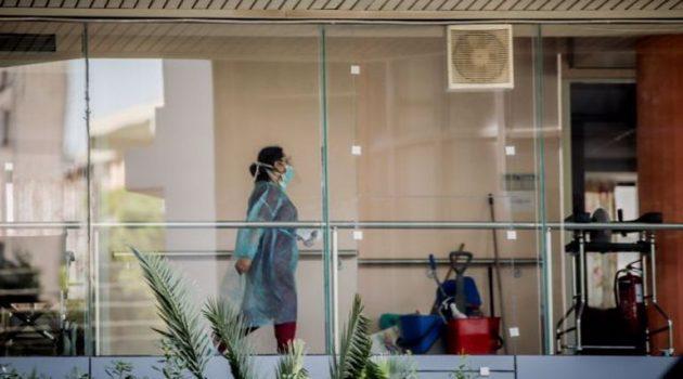Κορωνοϊός: «Έκρηξη» κρουσμάτων στην Ελλάδα – Αρνητικό ρεκόρ με 372 νέα