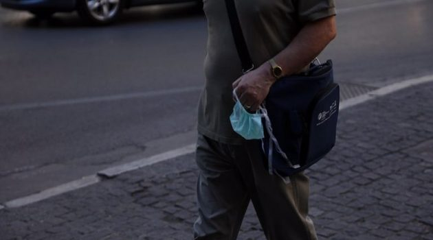 Αγρίνιο: Τρεις παραβάσεις για μη χρήση μάσκας