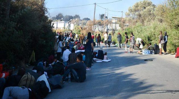 Καζάνι που βράζει η Λέσβος: Κάτοικοι και μετανάστες δεν θέλουν επιστροφή στη Μόρια