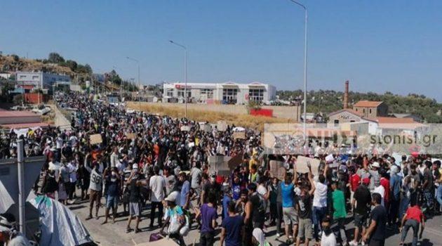 Λέσβος: Πετροπόλεμος μεταξύ μεταναστών και ΕΛ.ΑΣ. στο Καρά Τεπέ