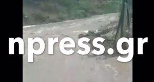 Ναυπακτία: «Έσπασε» ξανά ο Εύηνος – Πλημμύρισε η Στράνωμα (Video)