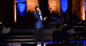 Ο Σάκης Ρουβάς, μάγεψε το κοινό, στην πρώτη του συναυλία…
