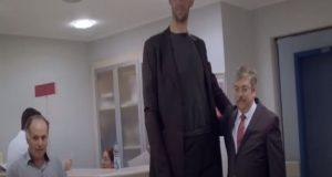 Οι πιο ψηλοί άνθρωποι στον κόσμο (Video)
