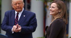 Ο Τραμπ διορίζει τη συντηρητική Άμι Κόνεϊ Μπάρετ για το…