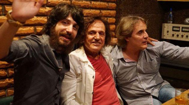 «Σπασμένο ρόδι»: Νέο τραγούδι με τον Βασίλη Παπακωνσταντίνου