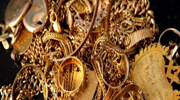 Πάτρα: Δήλωνε διαφορετικά στοιχεία και αγόρασε κοσμήματα 4.500 ευρώ