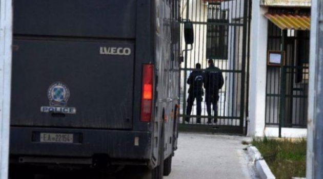Πάτρα: Φώναξαν αστυνομικούς για μεταγωγή κρατουμένου