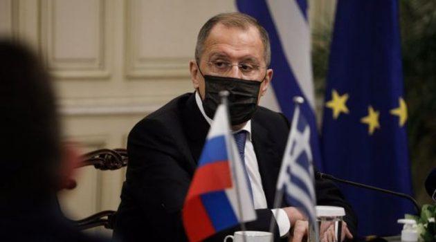 Η επίσκεψη Λαβρόφ και η δύσκολη αναθέρμανση των ελληνορωσικών σχέσεων