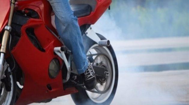 Μεσολόγγι: Συνελήφθη ανήλικος για αφαίρεση σταθμευμένης μοτοσυκλέτας