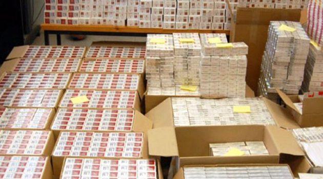 Αχαΐα: 5.000 πακέτα λαθραίων τσιγάρων μετέφερε ένας άνδρας