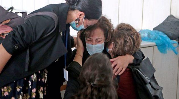 Μάνα Φύσσα: Υποδέχθηκε με λυγμούς την ιστορική δικαστική απόφαση (Videos)