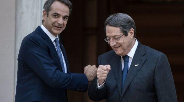 Στη Λευκωσία σήμερα ο Μητσοτάκης για τριμερή με Κύπρο και Αίγυπτο