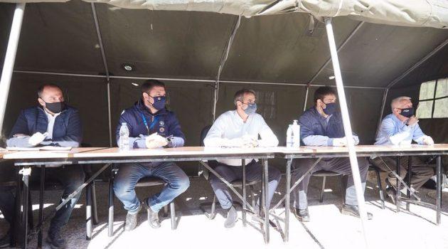 Σάμος: Ο Κ. Μητσοτάκης στις περιοχές που επλήγησαναπό το μεγάλο σεισμό