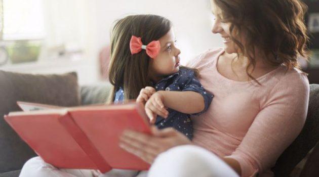«Πάλι, πάλι!»: Γιατί το παιδί θέλει να του διαβάζετε συνέχεια το ίδιο βιβλίο;