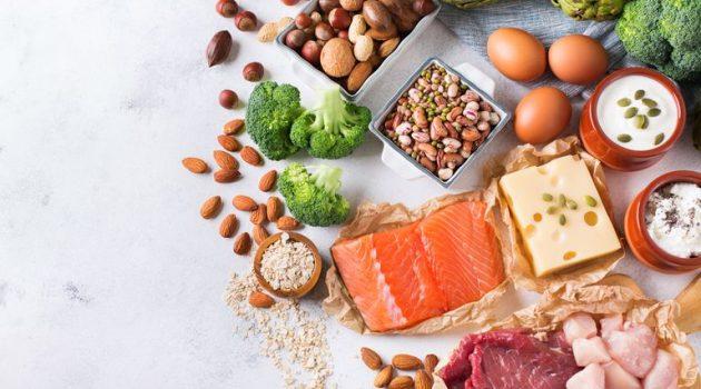 Πρωτεΐνη: Τα σημάδια ότι δεν τρώτε αρκετή – Σε ποιες τροφές θα τη βρείτε
