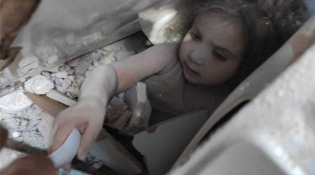 Τουρκία: Απεγκλωβίστηκε 4χρονη μετά από 91 ώρες κάτω από τα συντρίμμια (Video)
