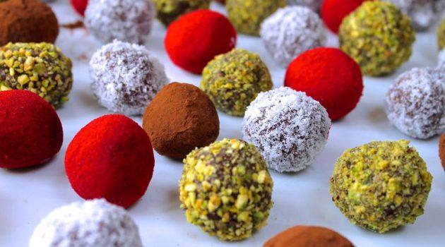 Τρουφάκια Σοκολάτας (Χριστουγεννιάτικα)