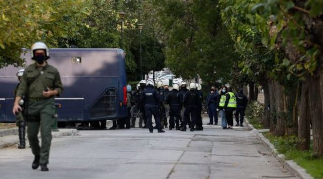 Καρδίτσα: Κλήσεις σε απολογία επειδή δήλωσαν ότι θα κατέβουν στο Πολυτεχνείο