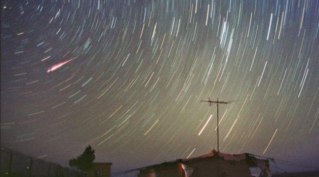 Λεοντίδες: Εντυπωσιακό φαινόμενο βροχής αστεριών τη Δευτέρα