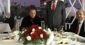 Η φωτογραφία του Ερντογάν με το δολοφόνο του Σολωμού