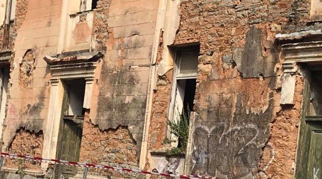 Το ΥΠ.ΕΝ. ζητάει κατάλογο με όλα τα επικίνδυνα κτίρια στη χώρα