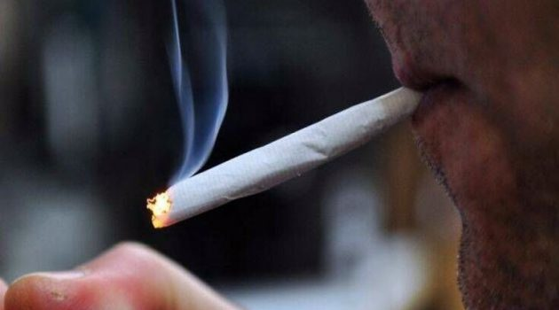 Να γιατί οι καπνιστές είναι πιο ευάλωτοι στον κίνδυνο σοβαρής Covid-19