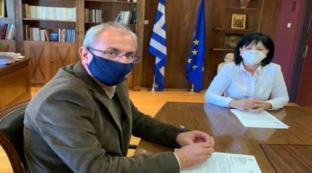Συνάντηση Κωνσταντάρα – Σαλμά για θέματα που αφορούν το Δήμο Θέρμου