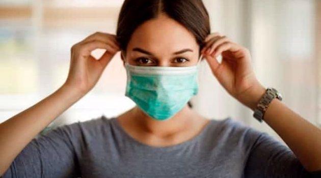 Α. Γραβάνης: Μέχρι τις αρχές του 2022 θα ζούμε με μάσκα