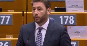 Ανδρουλάκης: «Ο Ερντογάν περιφρονεί το διεθνές δίκαιο και εσείς στρουθοκαμηλίζετε»…