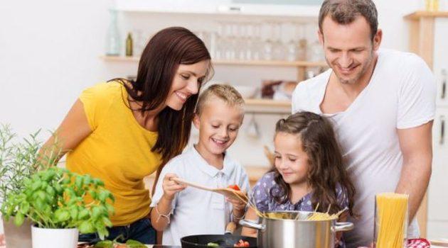 Η εύκολη συνταγή που θα ξετρελάνει τους μικρούς μας μακαρονάδες
